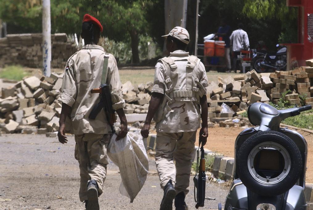 «محاولة انقلاب» بعد إقالات وتعيينات: قطار تصفية الإسلاميين انطلق