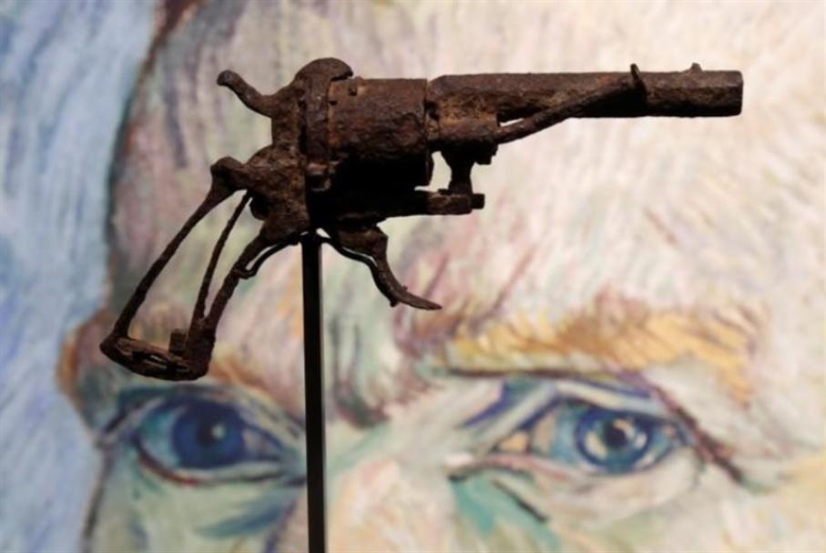 مسدس فان غوخ بأكثر من 145 ألف دولار