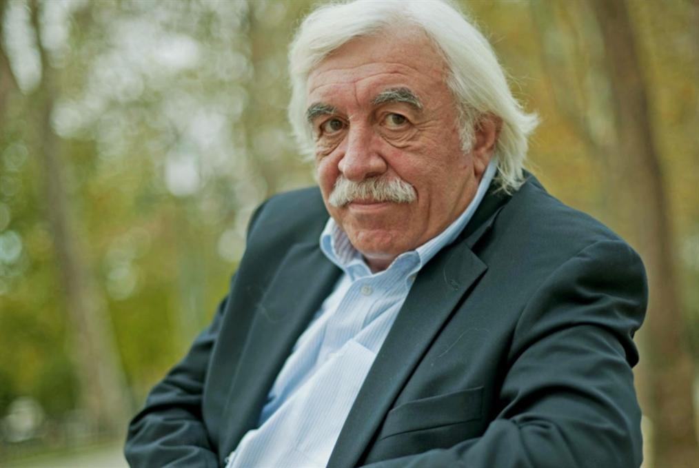 جنكيز تشاندار: الباحث والكاتب التركي