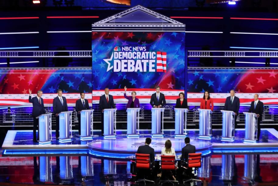 أول مناظرة بين الديموقراطيين: خلاف على القضايا الداخلية... واتفاق على انتقاد ترامب
