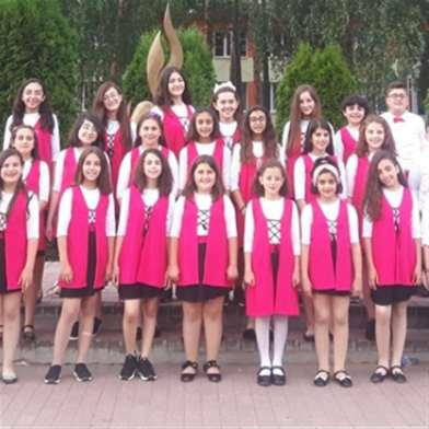 «أطفال أرجوان» في بيلاروسيا... غناء للحب والسلام