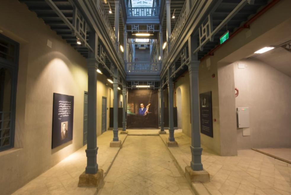 متحف نجيب محفوظ: «فضيحة في القاهرة»!