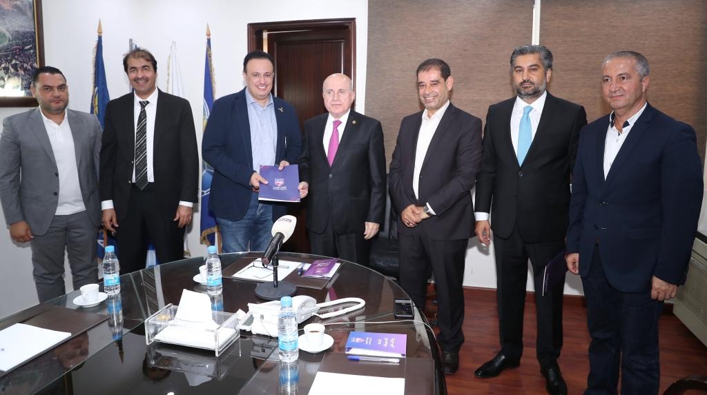 أقيم حفل التوقيع في مقر الاتحاد اللبناني لكرة القدم بحضور الرئيس هاشم حيدر
