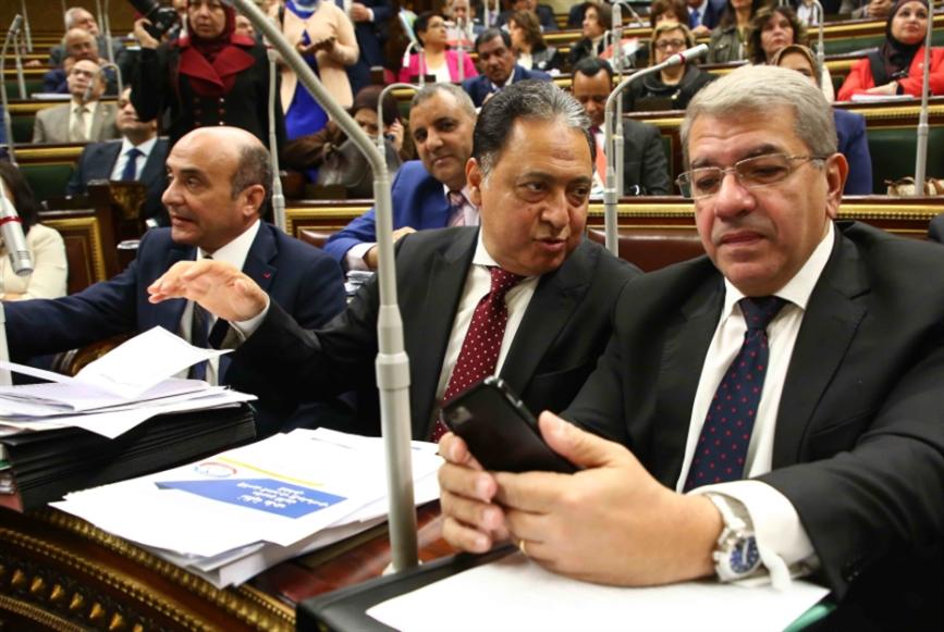 الدورة الرابعة للبرلمان: تأجيل الأولويات ولا استجوابات للوزراء