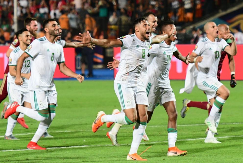 الجزائر تكتب التاريخ... «المحاربون» يرفعون الذهب