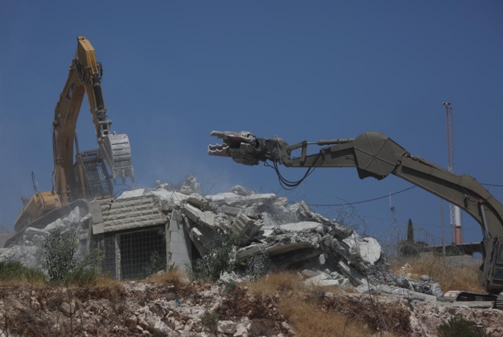 تهجير مئات الفلسطينيين على طريق ضمّ الضفة