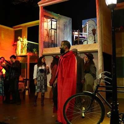 «إضراب الحراميّة»: زاهر قيس يحيي المسرح بعيداً عن بيروت