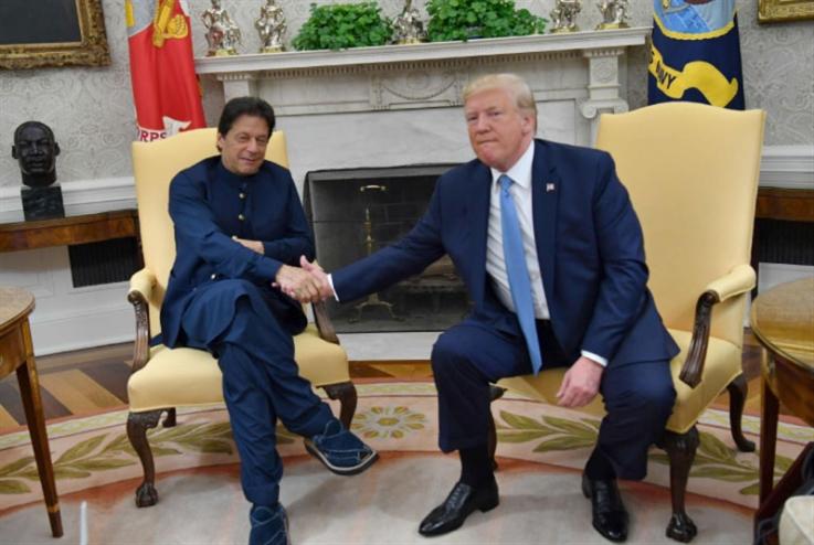 عمران خان في ضيافة ترامب: تهدئة مع باكستان ومكاسب في أفغانستان