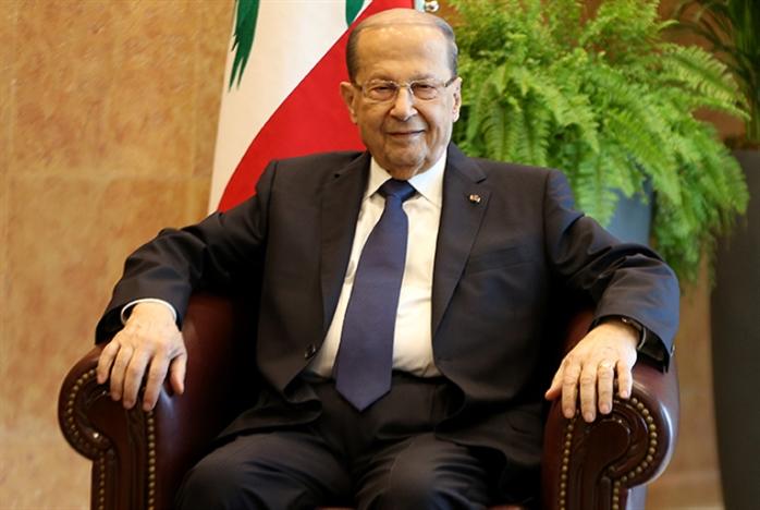 عون يردّ قانون إعفاء أبناء اللبنانيات من إجازة العمل: ما تحلمي بهــيدا العهد تاخدي حقّك!
