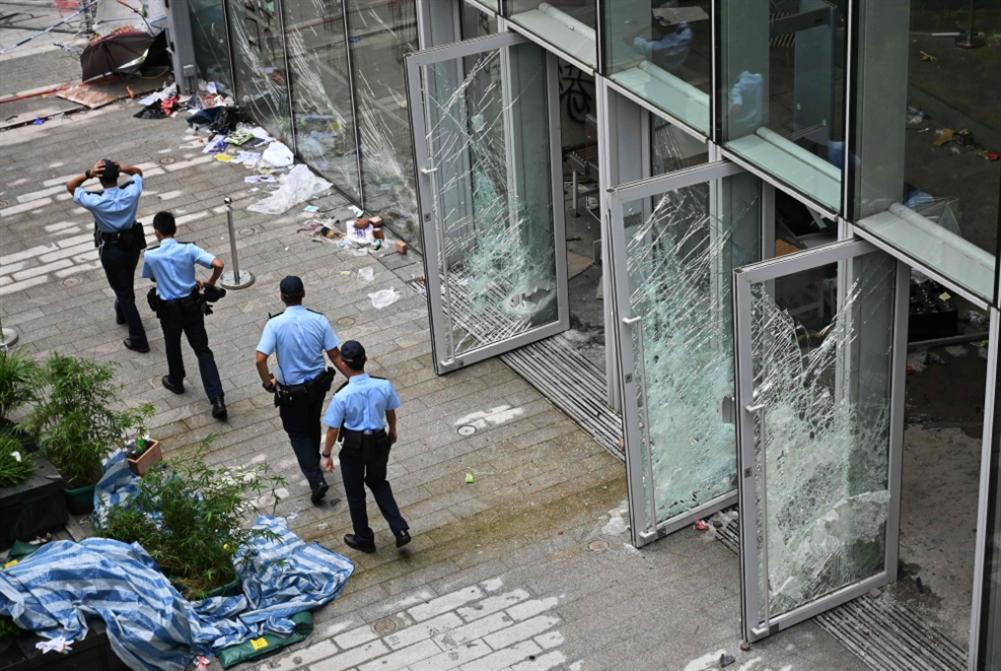 واشنطن ولندن تظلّلان احتجاجات هونغ كونغ