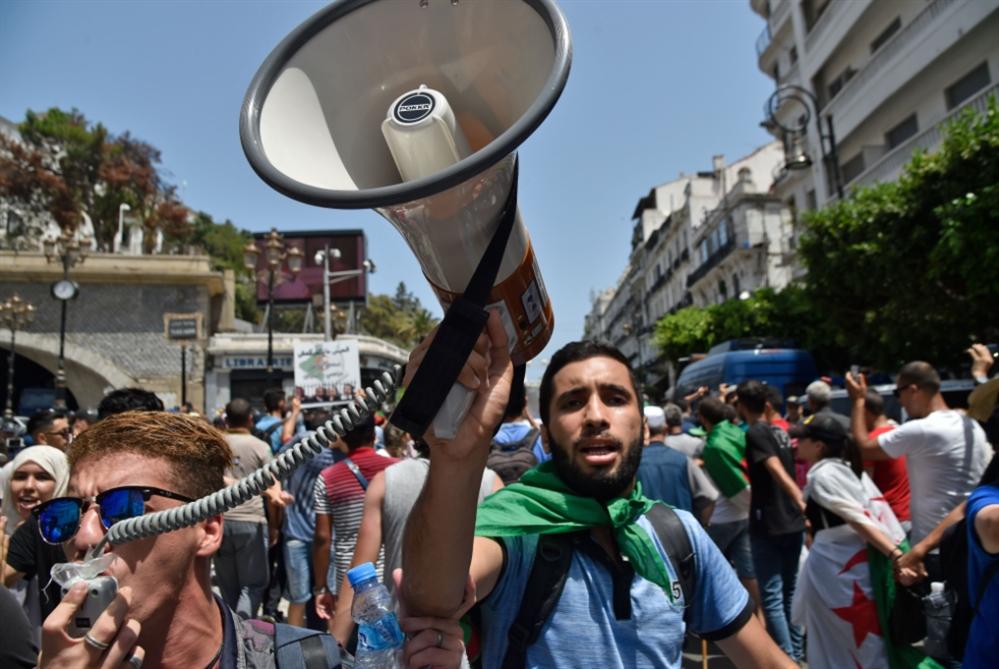 الجزائر | قائد الجيش يرفض «تدابير التهدئة»: مبادرة الحوار أمام مصير مجهول