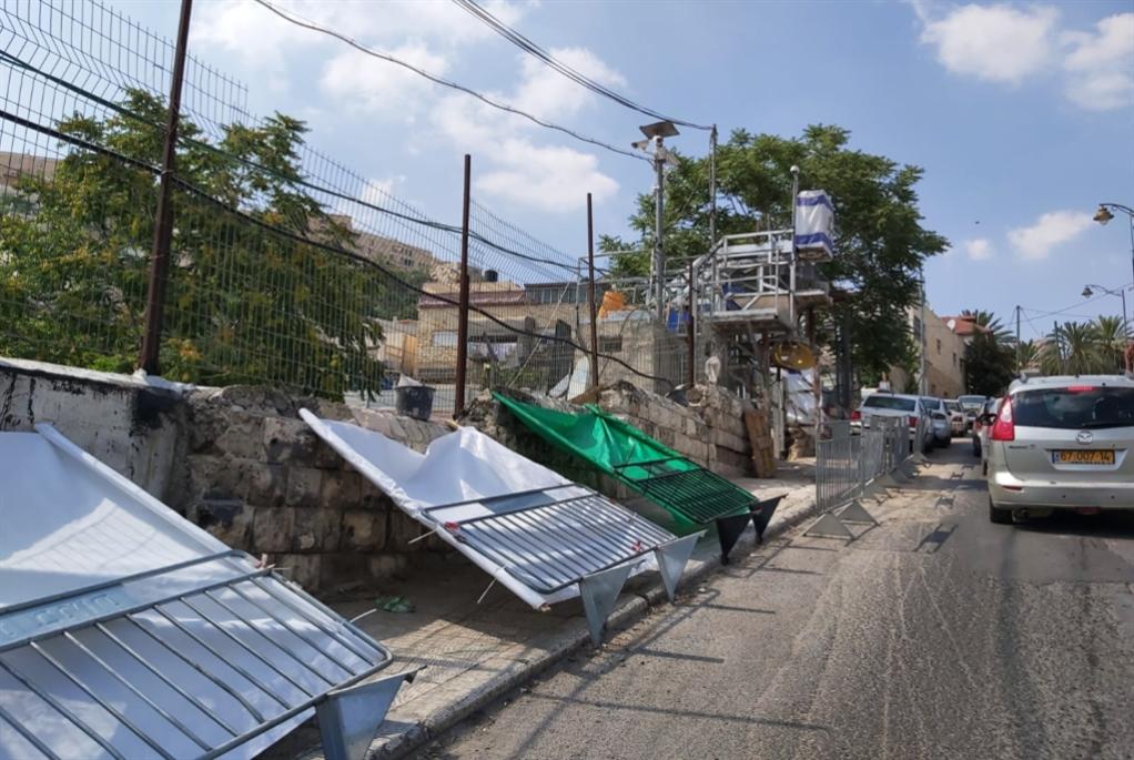 تصدعات وانهيارات في البيوت جراء الحفريات الإسرائيلية