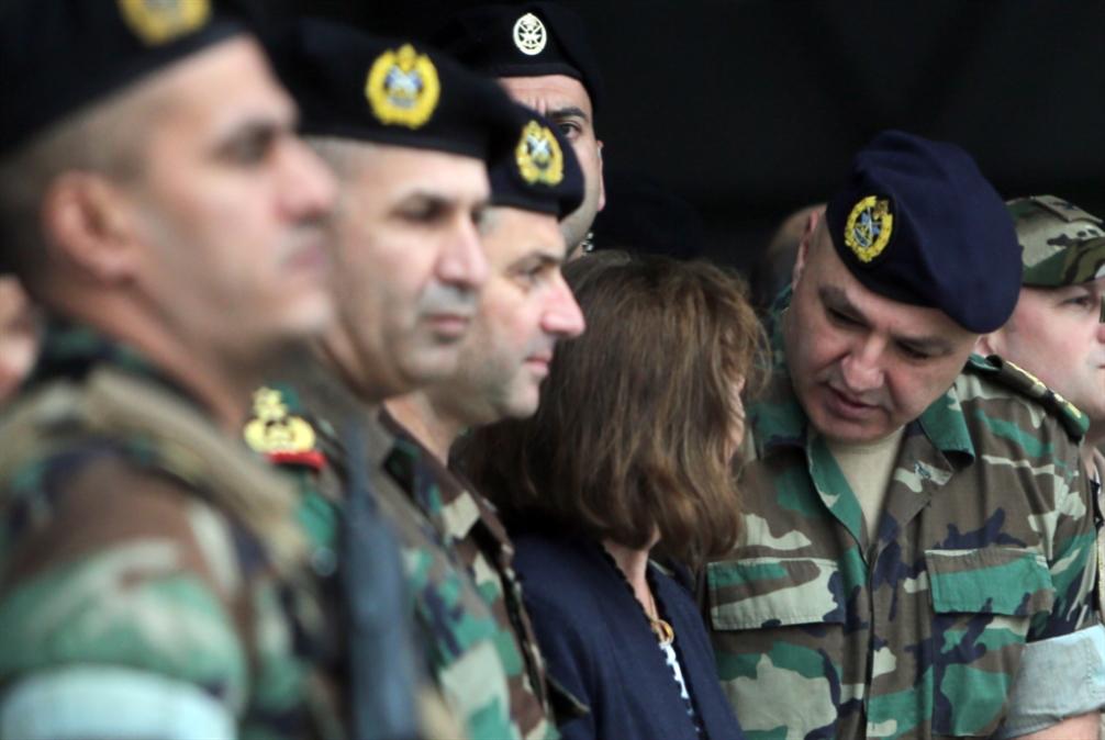 قائد الجيش ينخرط في اللعبة الداخلية