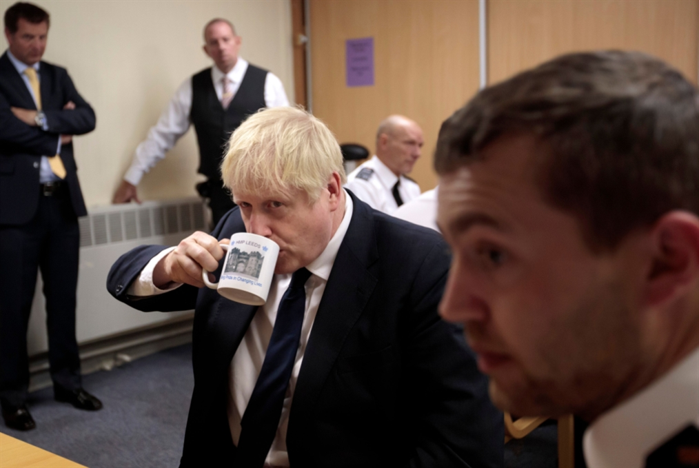 نفير عام في بريطانيا: جونسون نحو معركة «كسر» البرلمان
