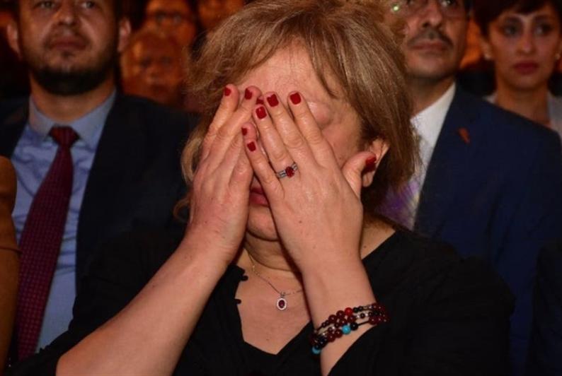 سمية الألفي تبكي في افتتاح «المهرجان القومي»