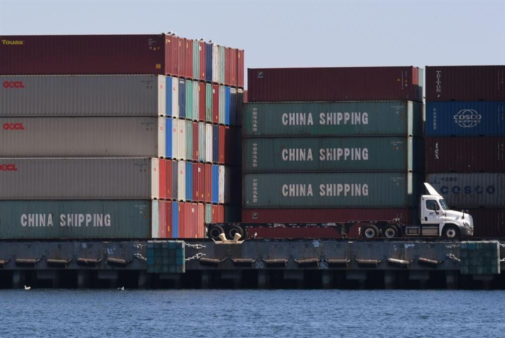 ترامب يصعّد حربه ضدّ الصين: رسوم على 300 مليار إضافية