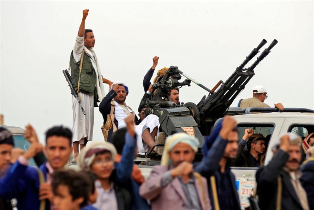 صنعاء تلاحق الانسحاب الإماراتي