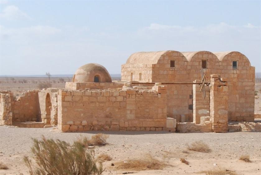قصير عمرة الأموي في الأردن: قصر المغنية شهد