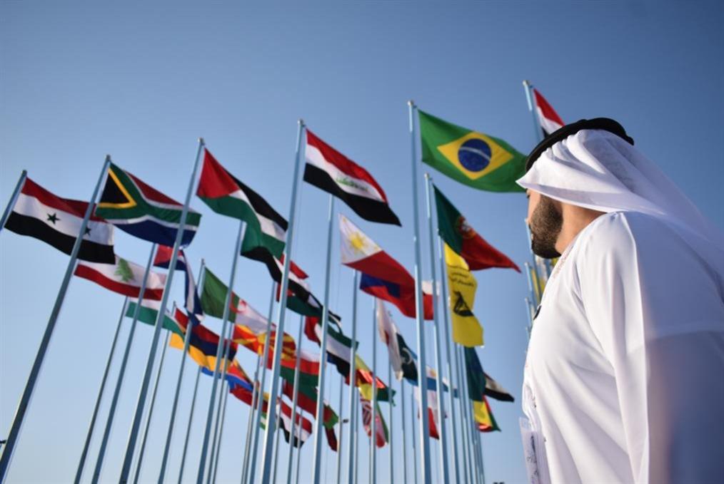 وفود إماراتية وعُمانية في «دمشق الدولي»: ماذا عن التحذيرات الأميركية؟