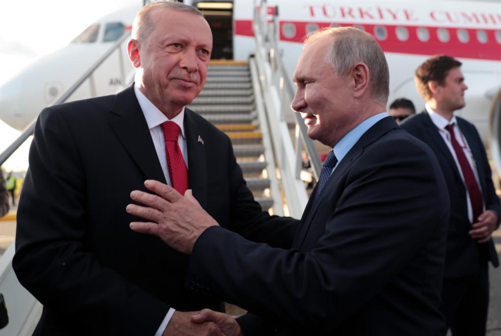 أردوغان بين بوتين وترامب