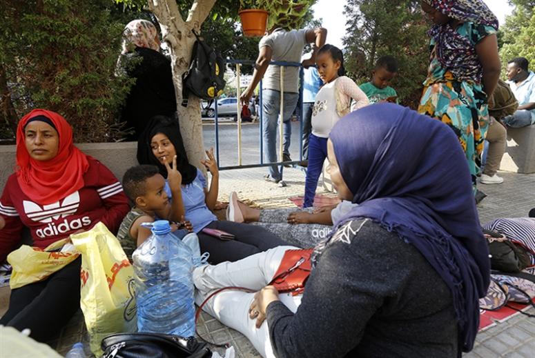 عن طه ودفيكا وأبنائهما الخمسة: حكم بالترحيل يشتّت عائلة  بين السودان وسريلانكا