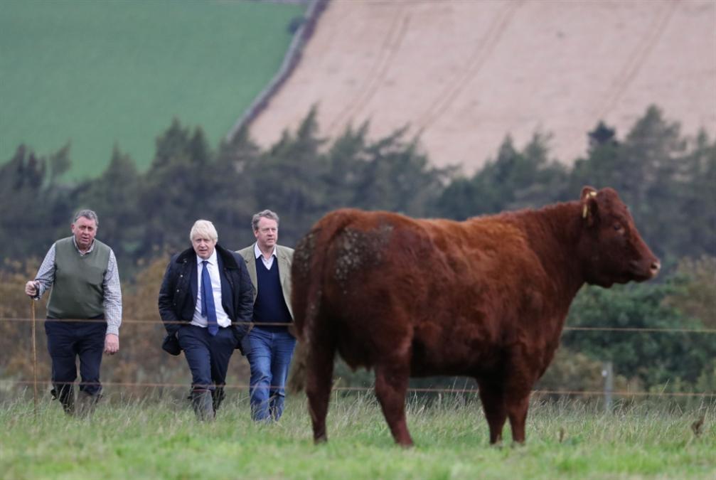 بريطانيا | جونسون «داخل الحفرة»: إرجاء «بريكست» بات حتمياً