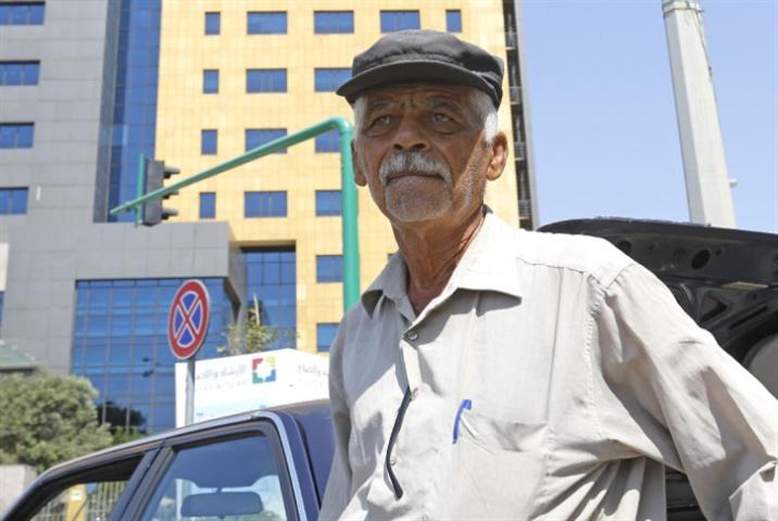 محمد حسين: بائع صحف في مدينة لا تقرأ