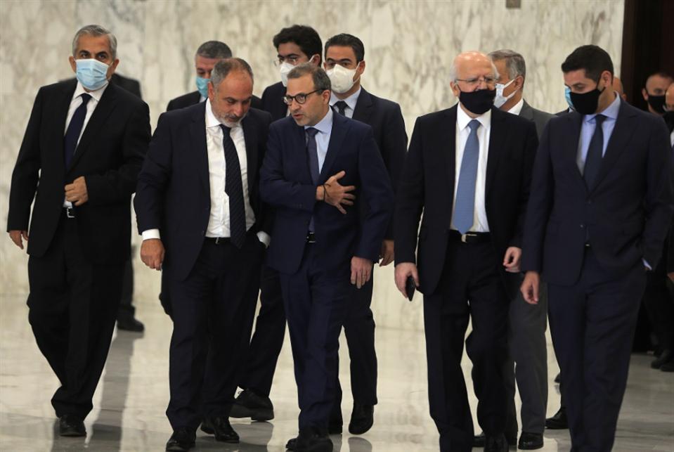 تهدئة من اليمن إلى سوريا والعراق ترخي بظلالها على بيروت: ولادة سريعة لحكومة «الأضداد»؟