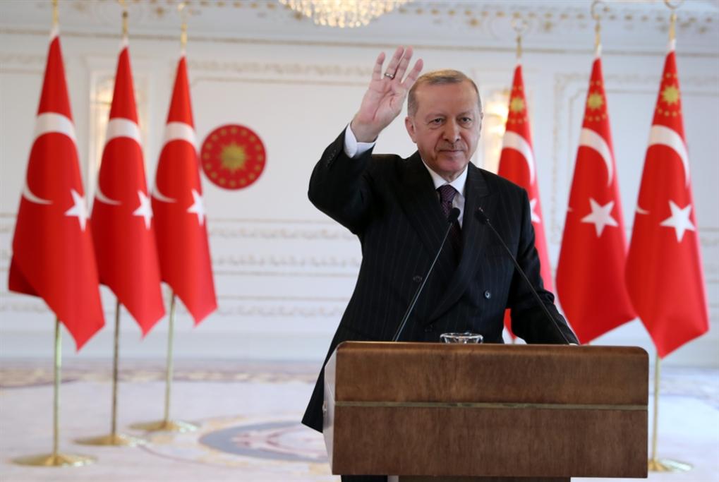 إردوغان يهدّد بعمليات جديدة: القوى الكردية تستنجد بواشنطن وموسكو
