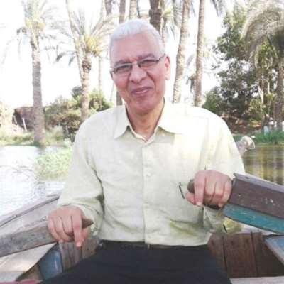 محمد عيد إبراهيم: بُكَاءٌ بِكَعْبٍ خَشِنٍ