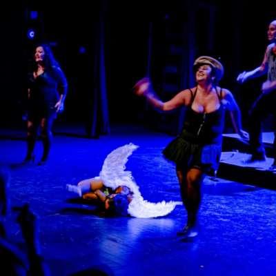 «زقاق»: المسرح علاجاً من الصدمات الجماعية