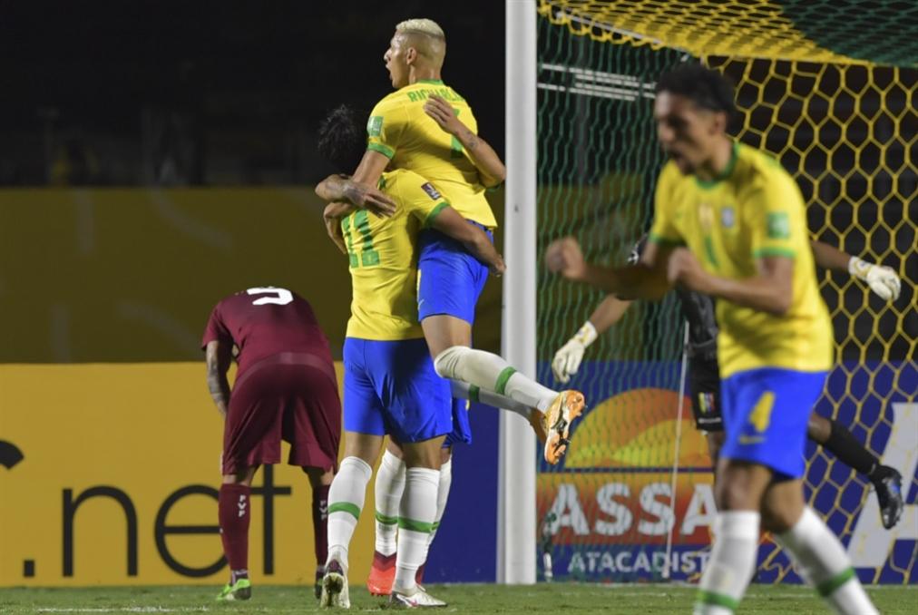 أوروغواي القوية «تهدّد» سجلّ البرازيل المثالي
