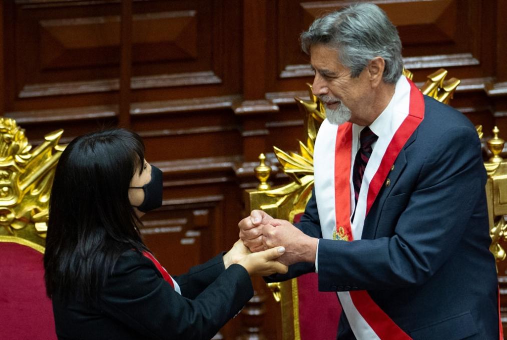 رئيس ثالث لبيرو... هل تنحسر الأزمة؟