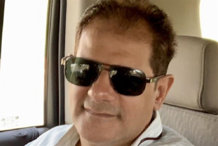 رحيل طارق عاكف... نجم أغاني التسعينيات