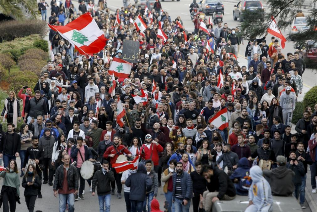 التغيير آت في لبنان: تسقط مقولة «... عاش الملك»!