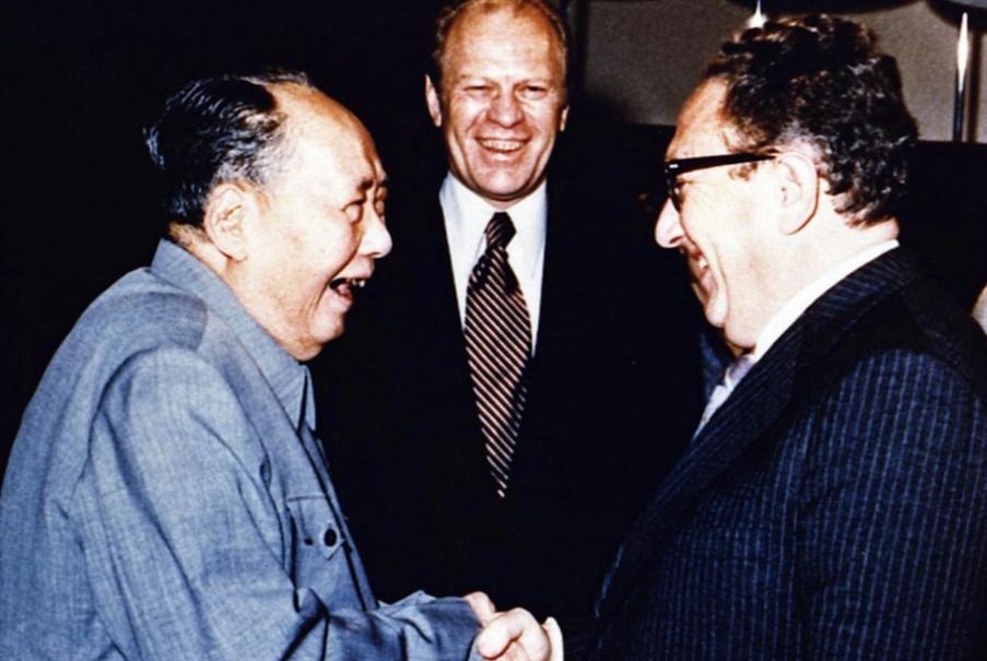 كيسنجر لا يهوى الحروب الكونية: محاربة الصين من الداخل
