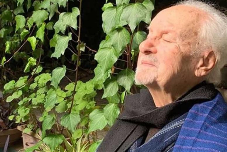 رحيل الشاعر والكاتب السوري فاضل السباعي