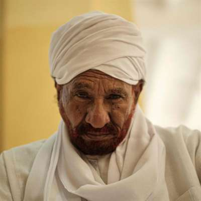 الصادق المهديّ: الإمام القلِق