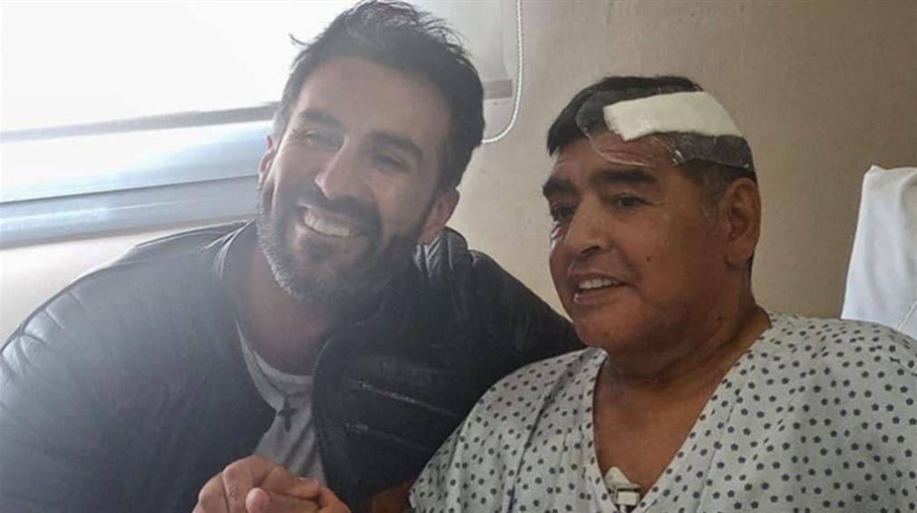 صورة شبهات حول طبيب مارادونا بتهمة القتل غير المتعمّد