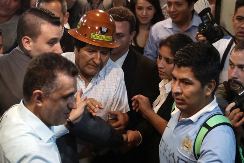 موراليس يتعهّد تشكيل «حركة شعبية مسلّحة» إذا عاد إلى بوليفيا
