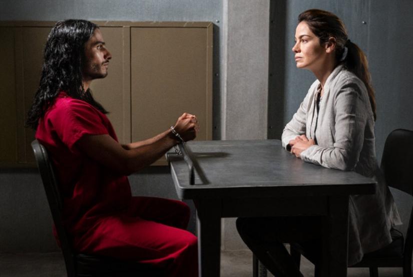 «المخلص» على Netflix: أي حرية في زمن الهيمنة؟