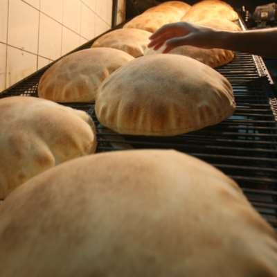 رفع سعر الخبز ينتظر نفاد الطحين العراقي أو كساده!