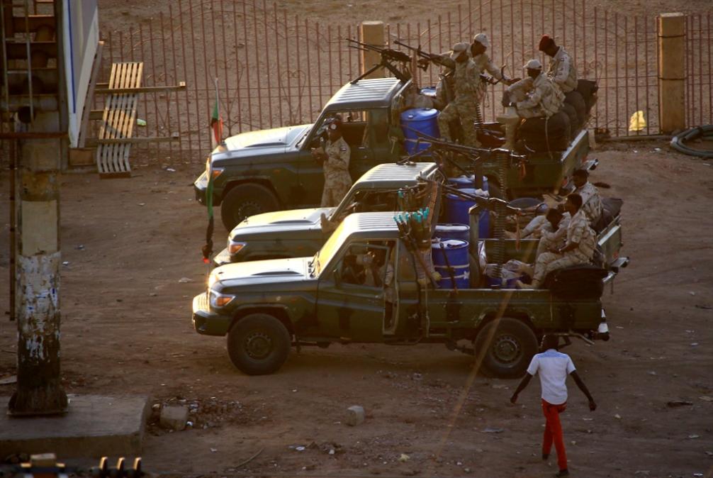 مدير جديد لجهاز المخابرات العامة السوداني بعد إحباط التمرّد