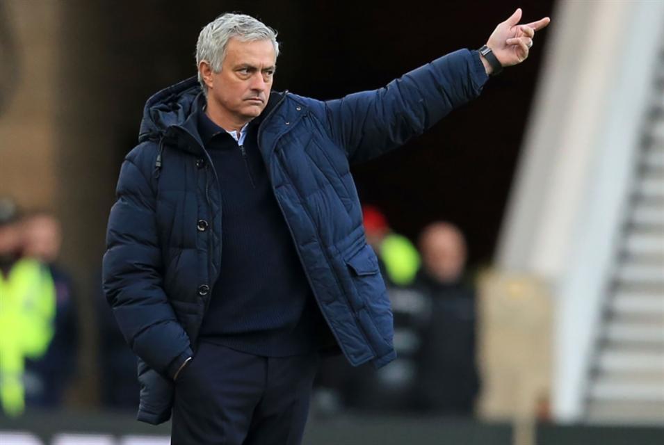 مانشستر يونايتد يخطّط لضمّ يورنتي ومكافأة كبيرة في انتظار مورينيو