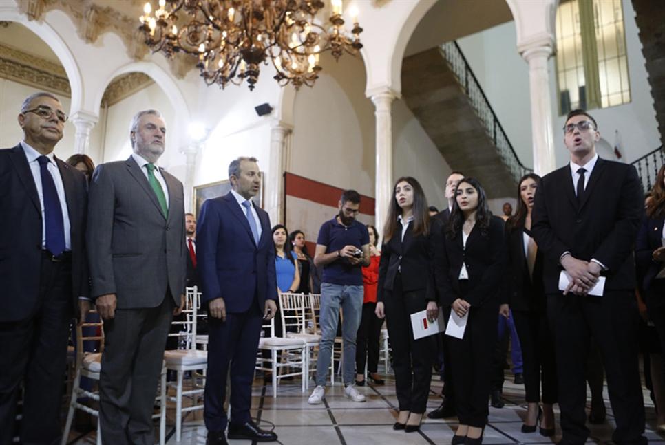 «الخارجيّة» تعمّم لوائح العقوبات الأميركية: رسائل عوكر أوامر للبنان؟