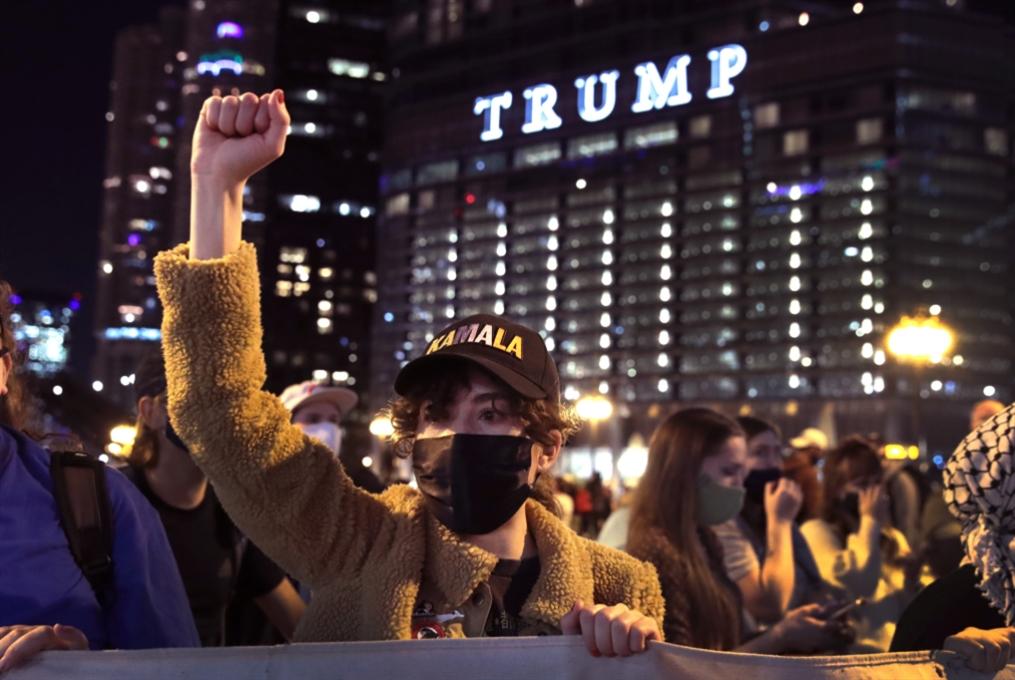 عصر انحدار الديموقراطية