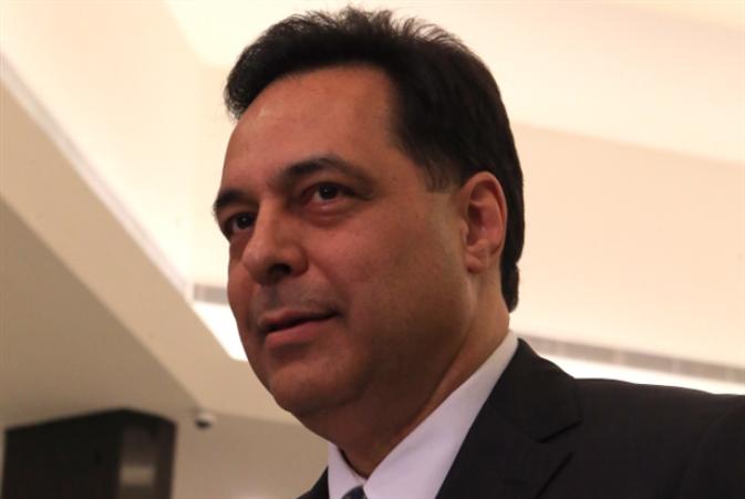 ادّعاء المحقّق العدليّ في جريمة المرفأ: استضعاف حسان دياب