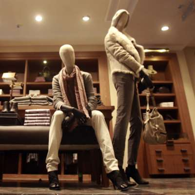 صناعة الأزياء: القاتل الصامت للاقتصاد والمناخ!