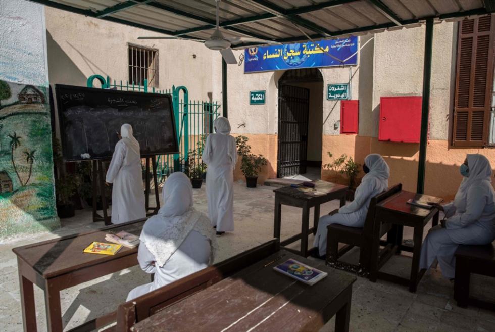 أزمة سيولة في مصر: مشروعات السيسي تُفقر الدولة