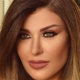 ريتا حرب: لبنانية في مملكة «الرمل»